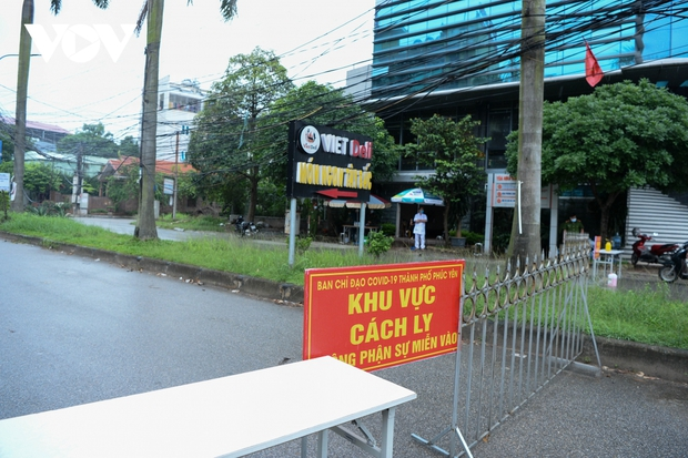 Cận cảnh bên trong khu đô thị có quán bar Sunny bị phong tỏa ở Vĩnh Phúc - Ảnh 2.