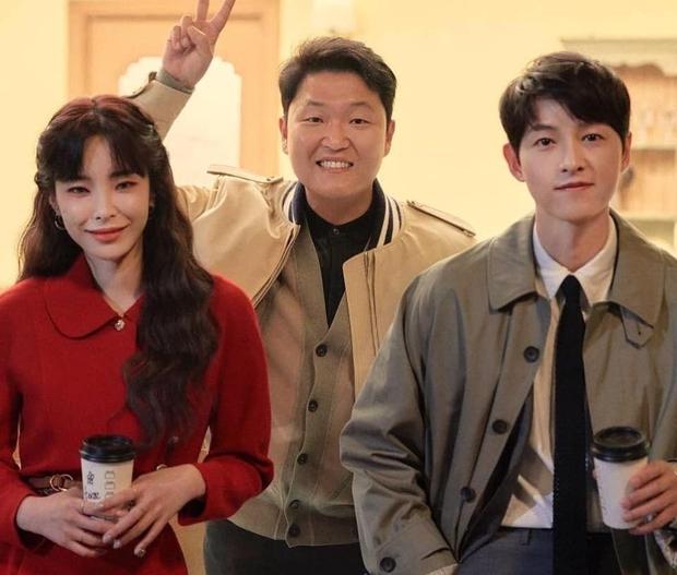 Song Joong Ki sau bao năm bất ngờ nhận lời đóng MV cho 1 nữ ca sĩ, lý do là gì? - Ảnh 2.