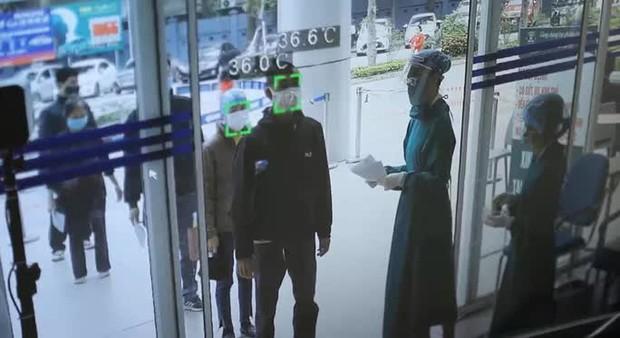 Không đeo khẩu trang, người nhà bệnh nhân bị phạt 10 triệu đồng - Ảnh 2.