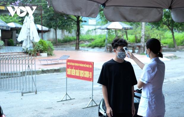 Cận cảnh bên trong khu đô thị có quán bar Sunny bị phong tỏa ở Vĩnh Phúc - Ảnh 12.