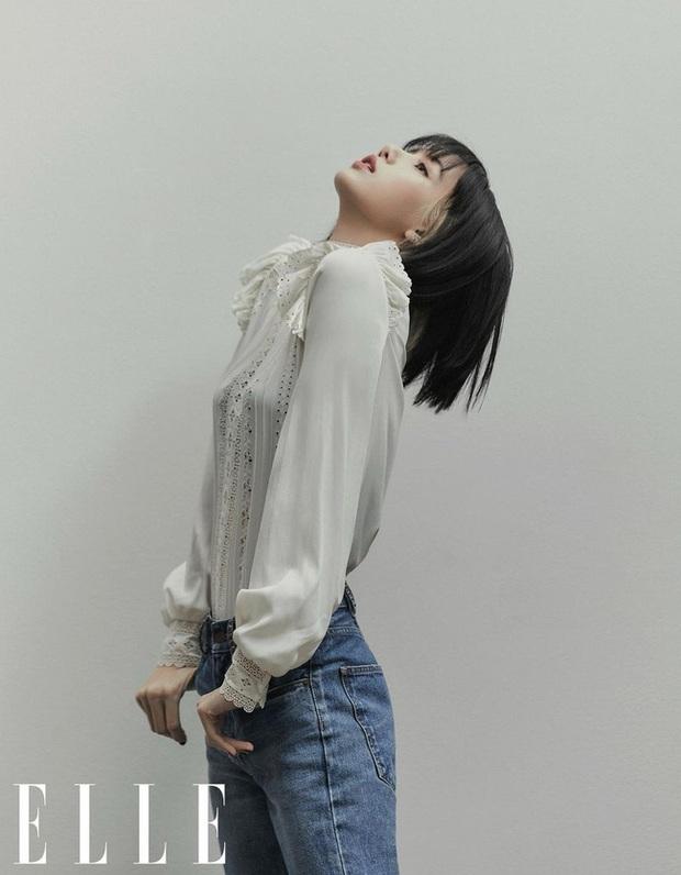 Học Lisa 13 cách diện quần jeans siêu cấp sành điệu, chị em sẽ không thể mặc xấu - Ảnh 4.
