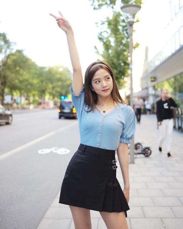 Không phải chân váy dài, đây mới là kiểu chân váy Jisoo mặc vì giúp ăn gian cả chục phân chiều cao - Ảnh 6.