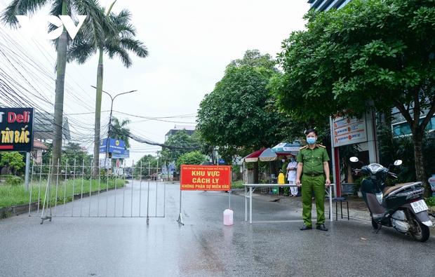 Cận cảnh bên trong khu đô thị có quán bar Sunny bị phong tỏa ở Vĩnh Phúc - Ảnh 7.