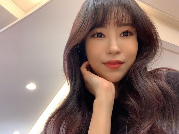 Màn lột xác gây sốc nhất showbiz Hàn: Nữ diễn viên hài dao kéo vì bị chê xấu, giờ F5 cả body đỉnh đến mức thành VĐV thể hình - Ảnh 4.