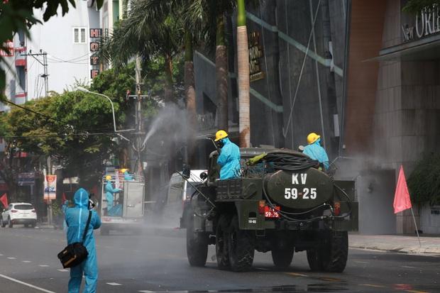 Tiếp tục phát hiện thêm 3 ca dương tính SARS-CoV-2 liên quan đến vũ trường lớn nhất Đà Nẵng - Ảnh 2.