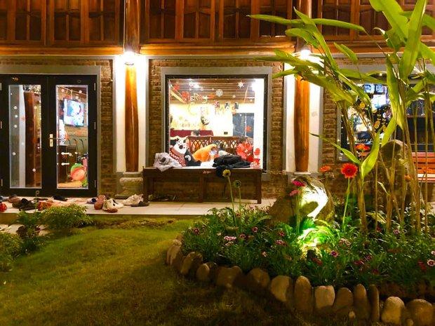 Ngắm đã mắt biệt phủ rộng lớn của Xuân Bắc: Được xây bằng gỗ tự nhiên, sang như khác sạn 5 sao, sân vườn chiếm spotlight - Ảnh 4.