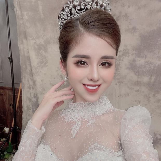 Vừa mới xác nhận ly hôn hơn 2 tuần, vợ cũ Huy Cung đã thay avatar mặc váy cưới cùng caption Cô dâu - Ảnh 2.