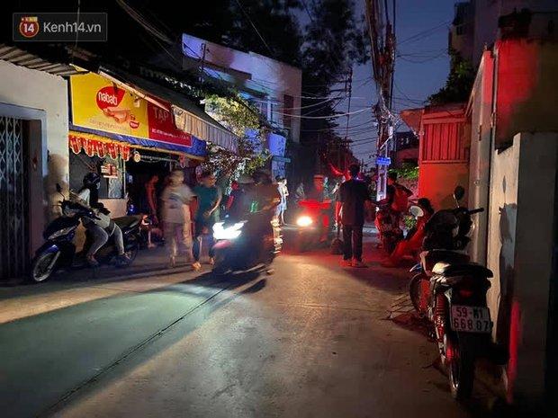 Cháy nhà ở Sài Gòn khiến ít nhất 7 người tử vong thương tâm: Khoảng 10 người mắc kẹt không thoát ra được - Ảnh 1.