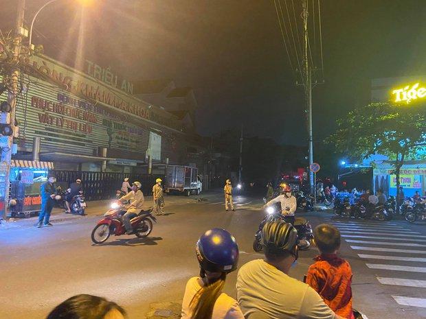 Cháy nhà ở Sài Gòn, 7 người mắc kẹt, tử vong thương tâm - Ảnh 3.