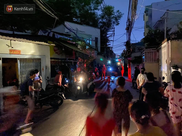 Cháy nhà ở Sài Gòn khiến ít nhất 7 người tử vong thương tâm: Khoảng 10 người mắc kẹt không thoát ra được - Ảnh 9.