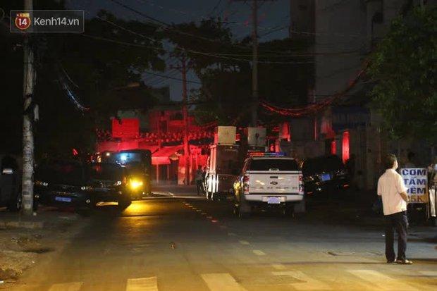 Cháy nhà ở Sài Gòn khiến ít nhất 7 người tử vong thương tâm: Khoảng 10 người mắc kẹt không thoát ra được - Ảnh 4.