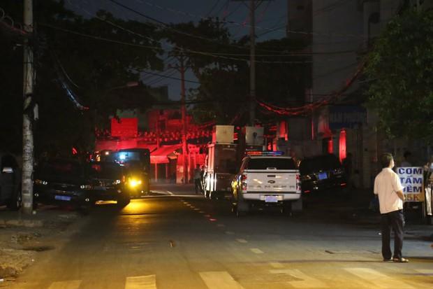 Cháy nhà ở Sài Gòn, 7 người mắc kẹt, tử vong thương tâm - Ảnh 4.