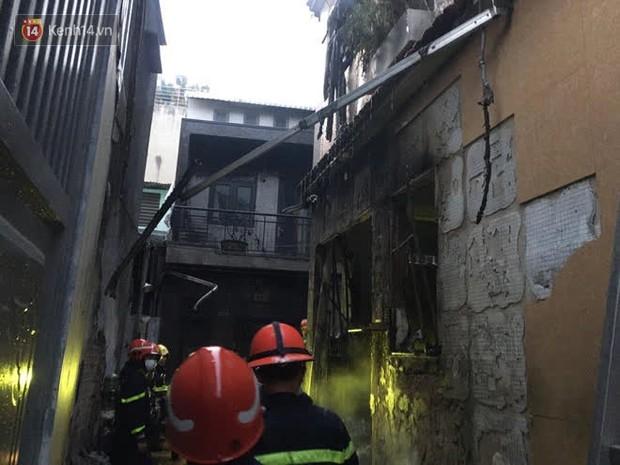 Cháy nhà ở Sài Gòn khiến ít nhất 7 người tử vong thương tâm: Khoảng 10 người mắc kẹt không thoát ra được - Ảnh 2.