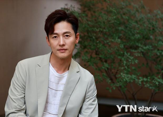 Tình duyên của dàn sao Chuyện Tình Harvard: Nam chính nhảy sông tự tử, nam phụ chia tay người yêu vì... Kim Tae Hee - Ảnh 15.