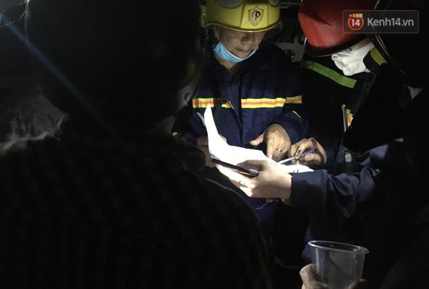 Ảnh: Hiện trường vụ cháy kinh hoàng khiến 7 người mắc kẹt tử vong thương tâm ở Sài Gòn - Ảnh 2.