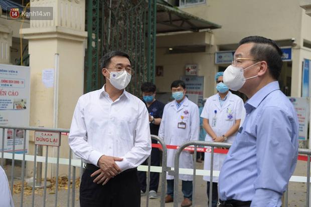 Bệnh viện K ghi nhận 10 ca dương tính SARS-CoV-2, gồm 6 bệnh nhân và 4 người nhà - Ảnh 2.