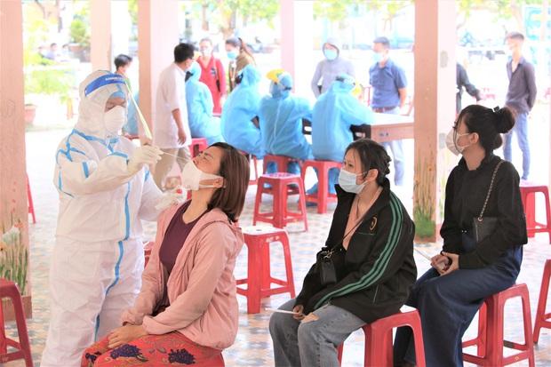 Lịch trình phức tạp của ca dương tính SARS-CoV-2 ở Đà Nẵng: Làm căn cước ở Quảng Nam, đi chơi ở Quảng Ngãi và họp tổng công ty - Ảnh 1.