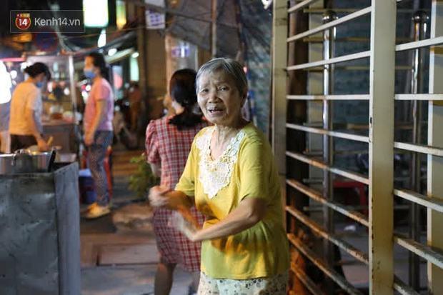 Cháy nhà ở Sài Gòn khiến ít nhất 7 người tử vong thương tâm: Khoảng 10 người mắc kẹt không thoát ra được - Ảnh 10.
