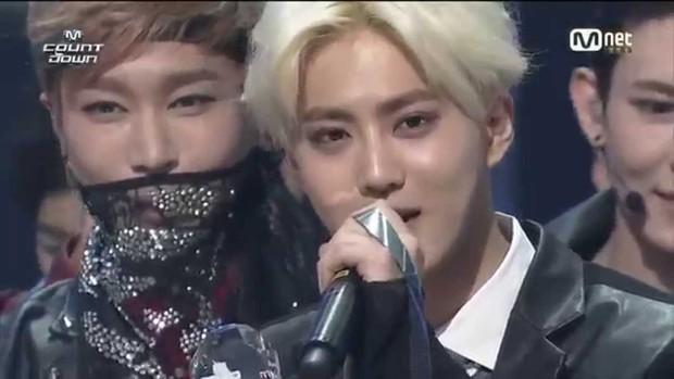 Chỉ sau 2 năm hoạt động EXO đã tan đàn xẻ nghé, màn comeback hoành tráng biến thành biển nước mắt - Ảnh 7.