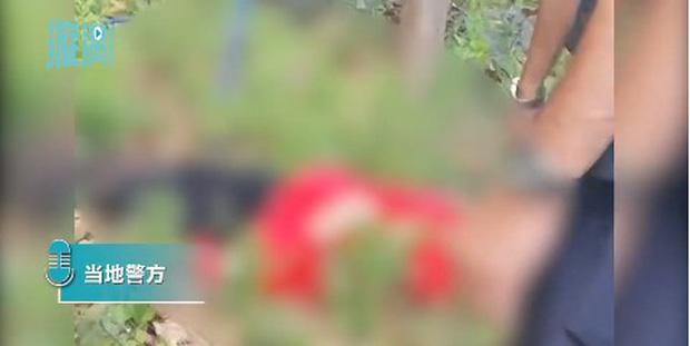 Cô gái diện đồ đỏ uốn éo ngoài lan can để quay clip nhưng bất ngờ ngã tử vong, thư tuyệt mệnh tìm thấy tại hiện trường làm cảnh sát bối rối - Ảnh 4.
