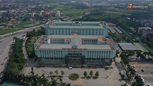 Ảnh: Lực lượng quân đội đã có mặt chuẩn bị phun tiêu độc khử khuẩn sau khi ghi nhận 10 ca dương tính SARS-CoV-2 tại Bệnh viện K Tân Triều - Ảnh 10.