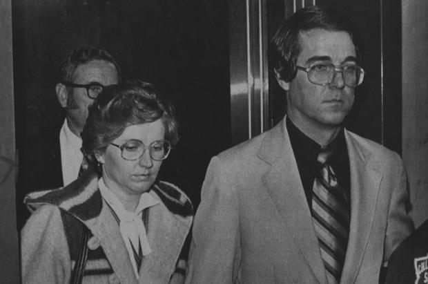 Án mạng bằng rìu tàn ác nhất nước Mỹ sắp lên phim: Mối tình vụng trộm sau lưng người vợ bầu và cái kết thảm khốc với 41 nhát chém - Ảnh 6.