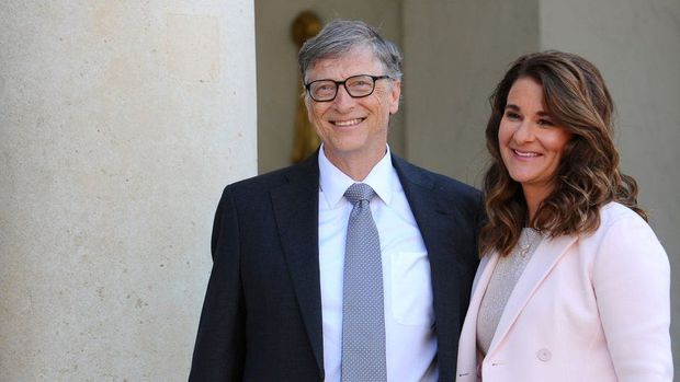 Có 1 vị chủ tịch đế chế giải trí quyền lực nhất xứ Hàn cũng rửa bát phụ vợ như Bill Gates, nhưng sau 11 năm cái kết khác hẳn - Ảnh 2.