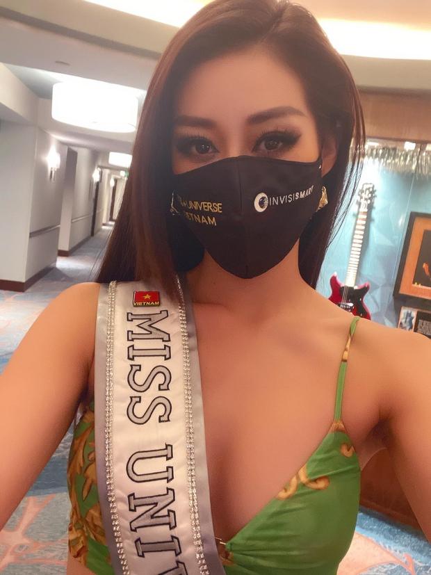 """Khánh Vân liên tục ghi điểm với outfit màu nổi, khoe vòng 1 căng đầy cùng thần thái """"đỉnh chóp"""" trong ngày 2 nhập cuộc Miss Universe - Ảnh 3."""