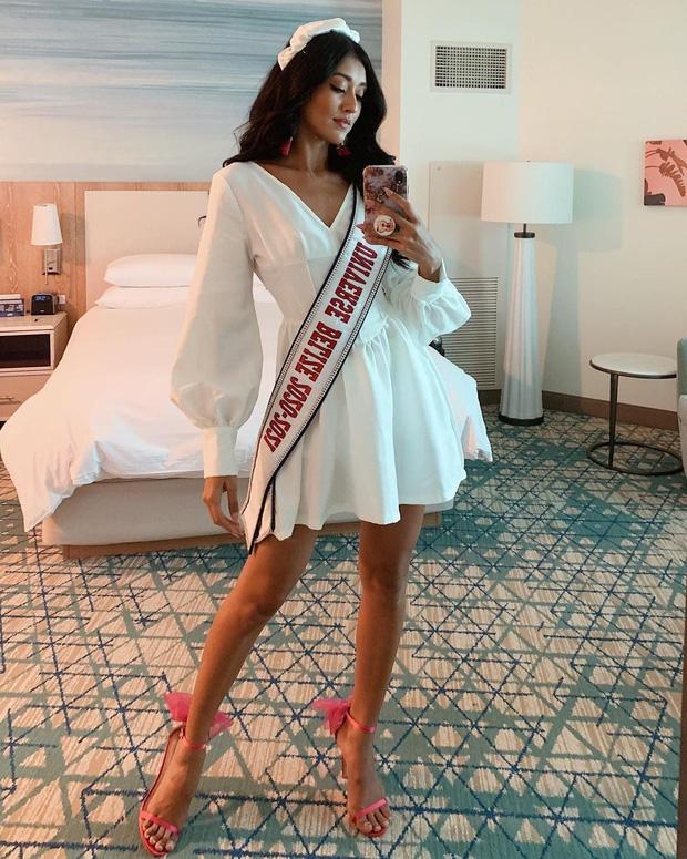 """Khánh Vân liên tục ghi điểm với outfit màu nổi, khoe vòng 1 căng đầy cùng thần thái """"đỉnh chóp"""" trong ngày 2 nhập cuộc Miss Universe - Ảnh 8."""