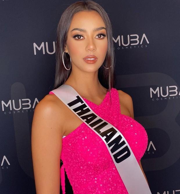 """Khánh Vân liên tục ghi điểm với outfit màu nổi, khoe vòng 1 căng đầy cùng thần thái """"đỉnh chóp"""" trong ngày 2 nhập cuộc Miss Universe - Ảnh 5."""