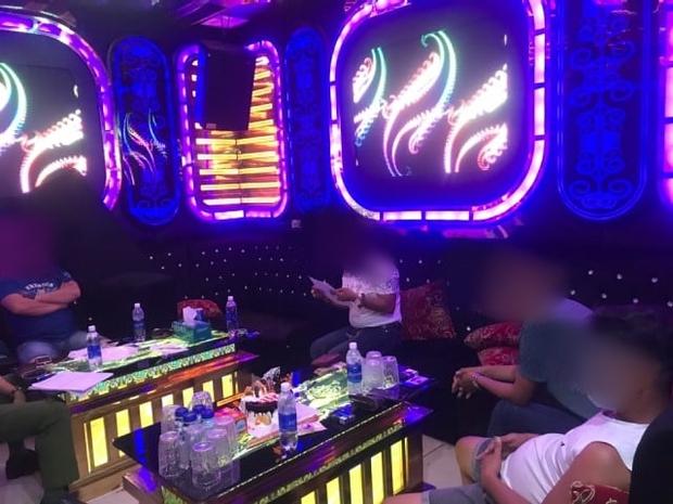 5 thanh niên mở tiệc ma túy trong quán karaoke giữa mùa dịch Covid-19 - Ảnh 1.