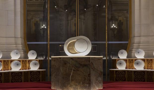 Cận cảnh loa không dây DEVIALET Gold Phantom Opera De Paris: Thiết kế độc lạ, dát đầy vàng lá, nhiều công nghệ đỉnh cao, giá hơn trăm triệu, thế này mà các đại gia bỏ qua là dở rồi! - Ảnh 3.