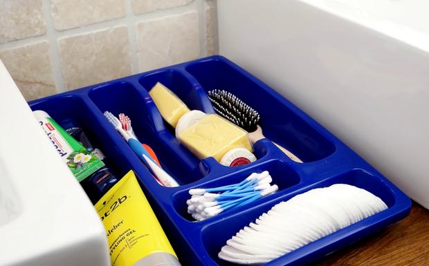 9 mẹo làm sạch phòng tắm siêu nhanh, siêu rẻ - Ảnh 5.