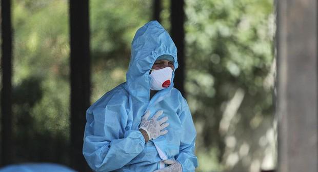 Bác sĩ Ấn Độ báo động làn sóng bệnh nấm đen chết người giữa bão COVID-19 - Ảnh 1.