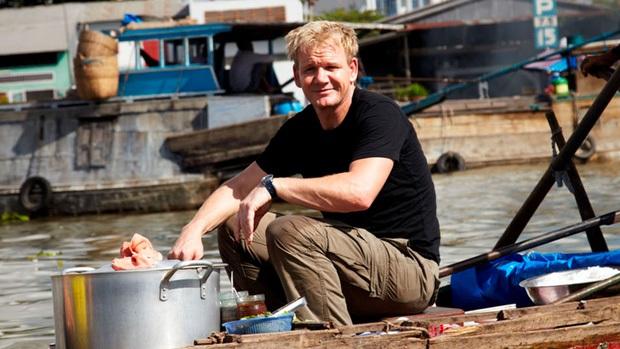 Gordon Ramsay - vị đầu bếp nổi tiếng thế giới đã dày công quảng bá đồ ăn Việt Nam như thế nào? - Ảnh 1.