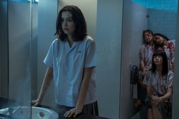 Bom tấn 18+ Girl From Nowhere 2 như một xã hội thu nhỏ: Điên cuồng nhưng cực nhân văn, xôi thịt và máu me ngập tràn - Ảnh 4.