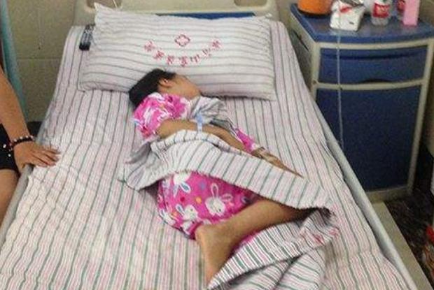 Bé gái 6 tuổi có cục u ở ngực do dậy thì sớm, nguyên nhân xuất phát từ món trứng rất quen thuộc - Ảnh 2.