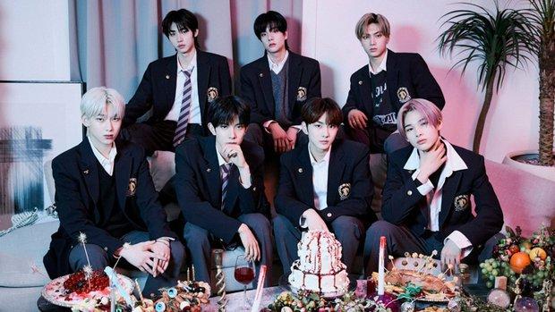 10 album bán chạy nhất 2021: BTS không được triệu bản, để thua idol solo SM; Rosé (BLACKPINK) xếp hạng mấy? - Ảnh 8.