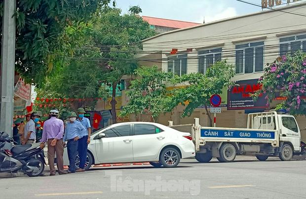 Nhân viên y tế chùa Tam Chúc có gần 1.900 F1,F2, Hà Nam phong tỏa thêm 2 khu vực - Ảnh 2.
