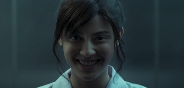 Bom tấn 18+ Girl From Nowhere 2 như một xã hội thu nhỏ: Điên cuồng nhưng cực nhân văn, xôi thịt và máu me ngập tràn - Ảnh 14.