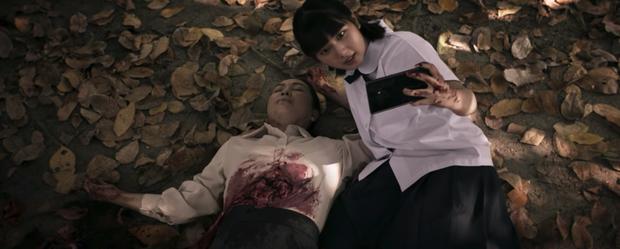 Bom tấn 18+ Girl From Nowhere 2 như một xã hội thu nhỏ: Điên cuồng nhưng cực nhân văn, xôi thịt và máu me ngập tràn - Ảnh 22.