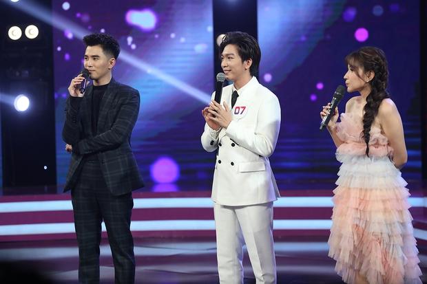 Trần Đức Bo xuất hiện trên sóng truyền hình, gây bất ngờ khi cover hit Mỹ Tâm, Hiền Hồ, Phí Phương Anh! - Ảnh 10.