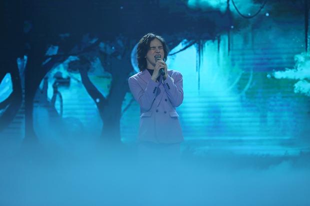 Trần Đức Bo xuất hiện trên sóng truyền hình, gây bất ngờ khi cover hit Mỹ Tâm, Hiền Hồ, Phí Phương Anh! - Ảnh 6.