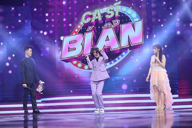 Trần Đức Bo xuất hiện trên sóng truyền hình, gây bất ngờ khi cover hit Mỹ Tâm, Hiền Hồ, Phí Phương Anh! - Ảnh 4.