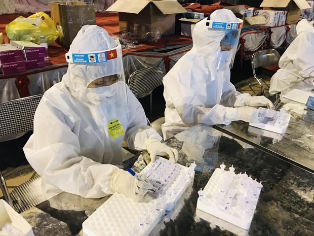 3 ngày ghi nhận tổng cộng 46 ca dương tính SARS-CoV-2 ở Bắc Ninh: Nguồn lây từ đâu? - Ảnh 1.