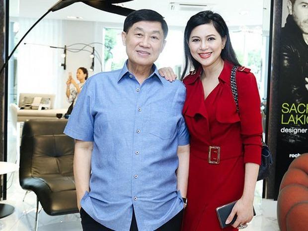 Nhan sắc thời trẻ của vợ tỷ phú Johnathan Hạnh Nguyễn một lần nữa gây dậy sóng, lần này là do gái yêu tự đăng - Ảnh 4.