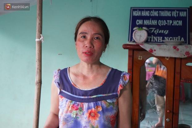 Ngày cuối đời của bà cụ bị ung thư xương hàm, lở loét khắp miệng: Bà chỉ mong chết sớm để con cháu bớt khổ - Ảnh 3.
