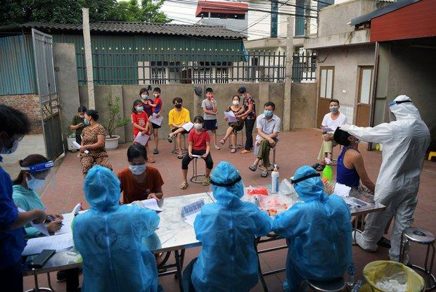 15 ngày đợt dịch thứ 4 bùng phát tại Việt Nam: 610 ca mắc lan ra 26 tỉnh/thành phố như thế nào? - Ảnh 9.