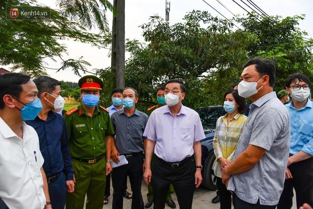 Hà Nội: Phong toả nơi ở của 4 nữ sinh lớp 12 dương tính với SARS-CoV-2 - Ảnh 1.