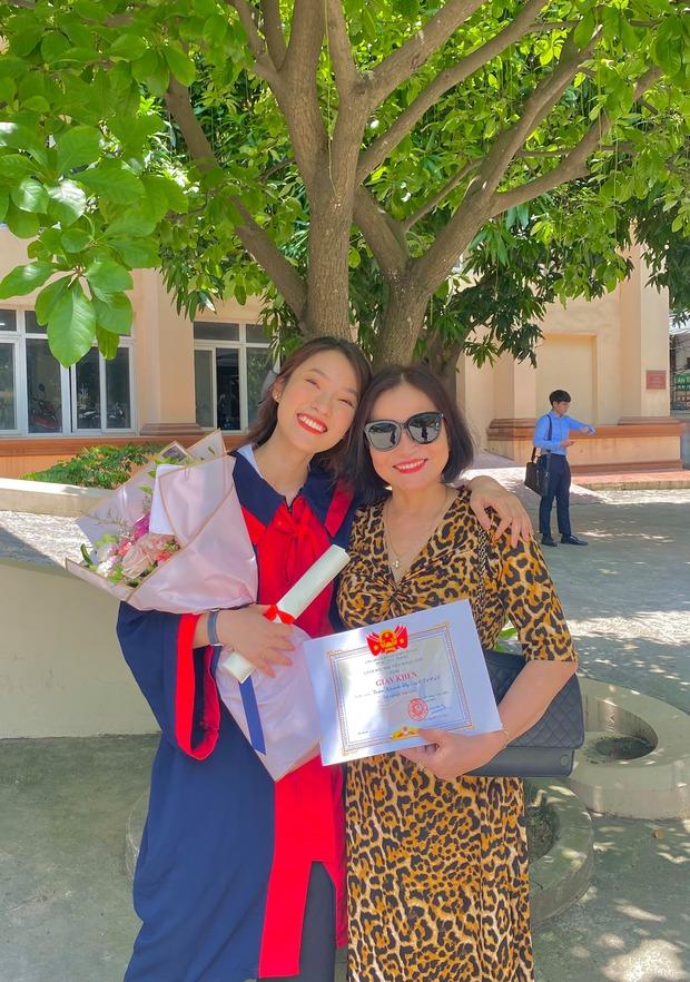 Dàn hot girl, rich kid Việt đồng loạt chia sẻ khoảnh khắc với các chị mẹ, mẹ của ai cũng là siêu nhân! - Ảnh 11.